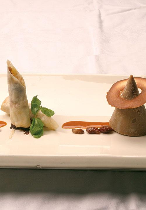 <div>Dessert:</div> Appelstroop parfait met een loempia van appel en peperkoek